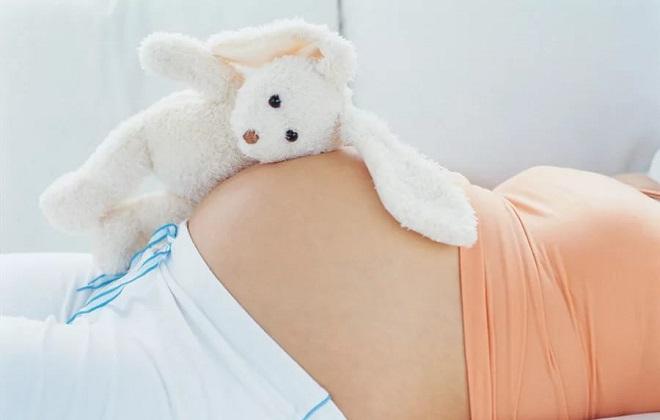 Беременная женщина с отрицательным резус фактором