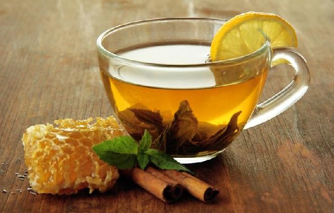 Чайный напиток с мятой и лимоном