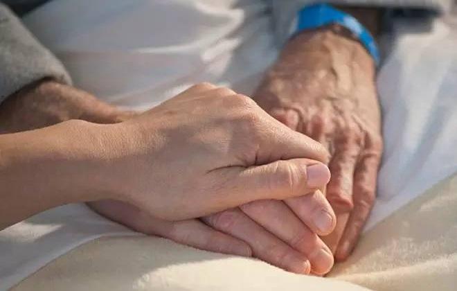 Правильная поддержка человека после перенесенного инсульта головного мозга