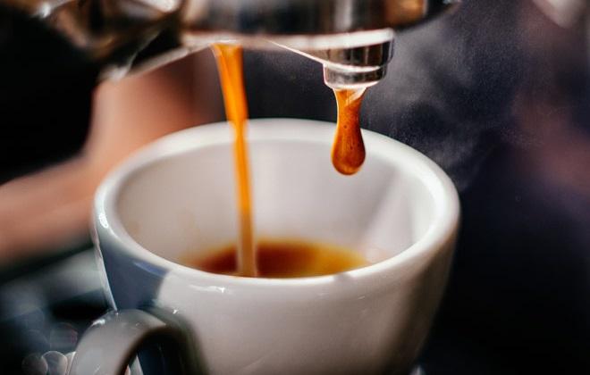 Заваривание кофе в кофемашине