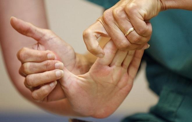 Правильное упражнение пальцам при институте