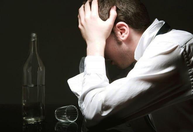 сгустки крови при рвоте после алкоголя