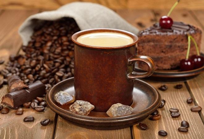 Чашка свежего кофе утром при ВСД
